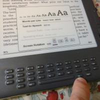 Kindle DX Aa button allows for screen orientation/rotation lock