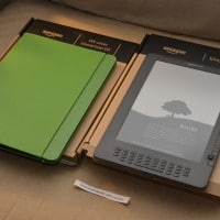 Kindle DX side by side with cover