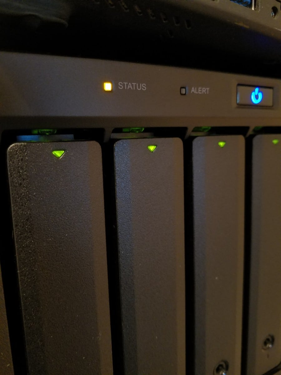 Orange solid status light on Synology NAS? [SOLVED]